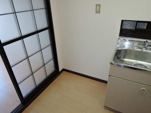 プチメゾン辰 1階 冷蔵庫置場