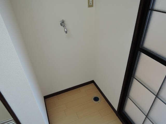 プチメゾン辰 1階 洗濯機置場