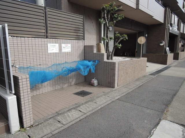 グローリアス名東富が丘402号室 ゴミ置き場