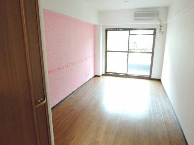 ヤングビレッジMAKI 3階 室内