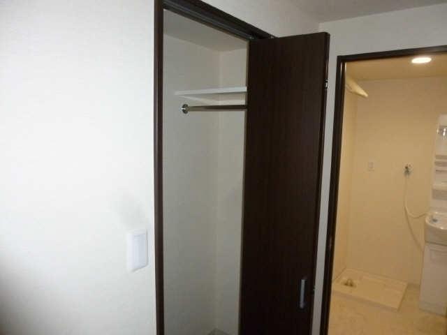セカンドステージ平針 2階 廊下収納