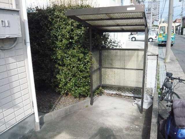 ジュネス幸川 2階 駐輪場