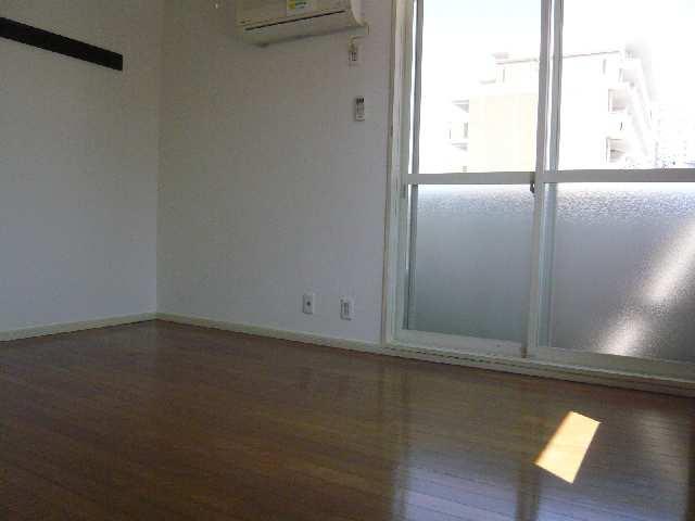 ジュネス幸川 2階 室内