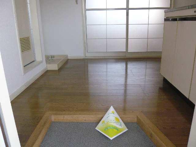 ジュネス幸川 2階 玄関