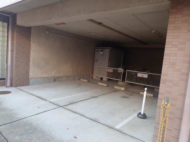 ジュネス佐久間 3階 駐車場