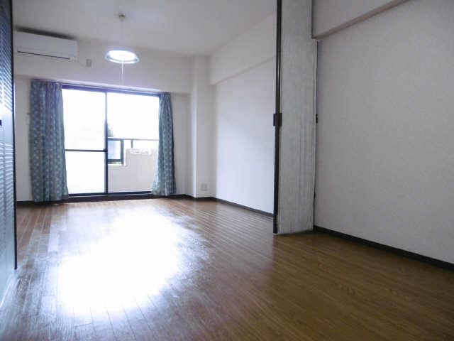 カーサビアンカ大村 1階 室内