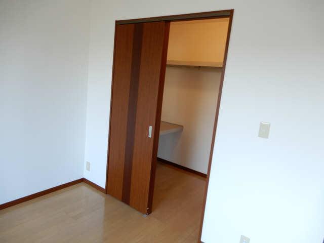 サニーガーデン神村 2階 収納