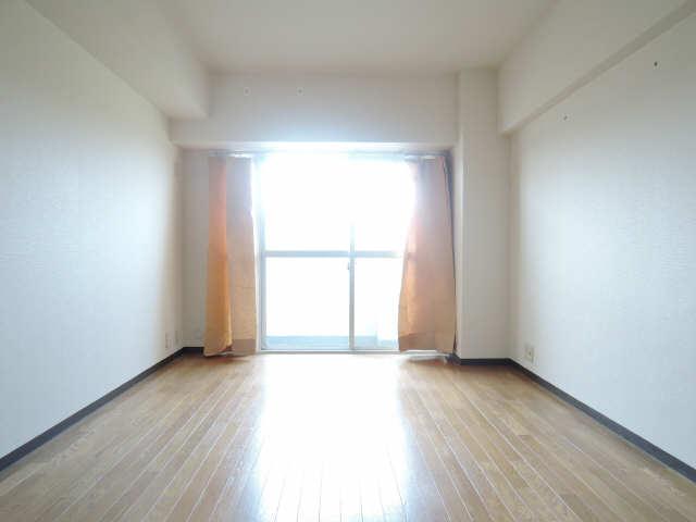 アーバンドエル杁中 3階 室内