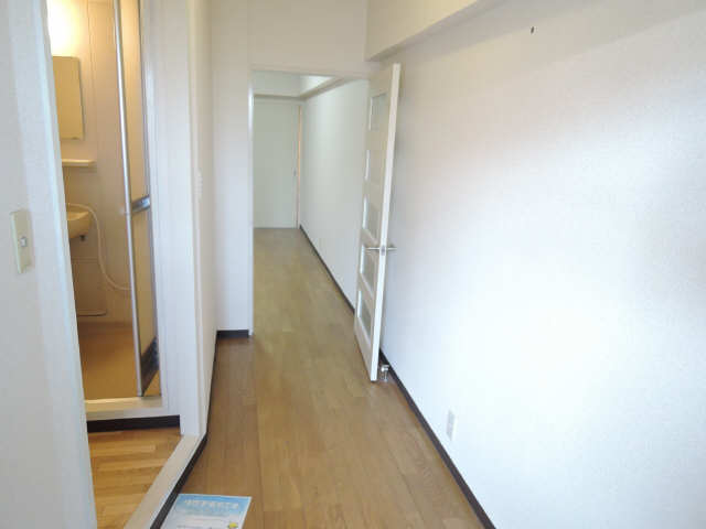 アーバンドエル杁中 3階 廊下