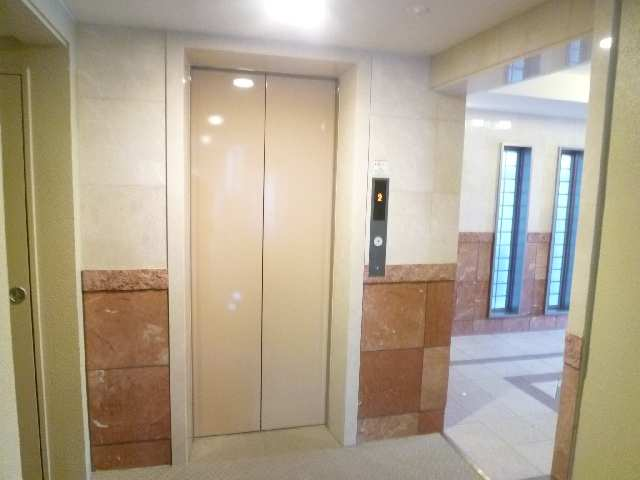 ベルウッド南山 5階 エレベーター
