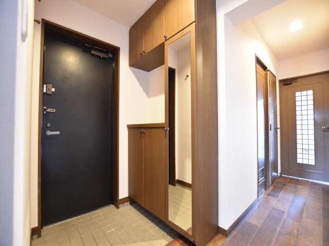 南山レジデンスB棟 3階 シューズBOX