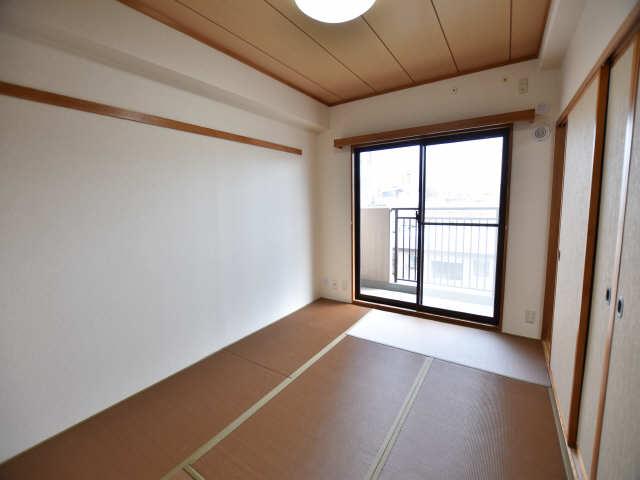 南山レジデンスB棟 3階 和室