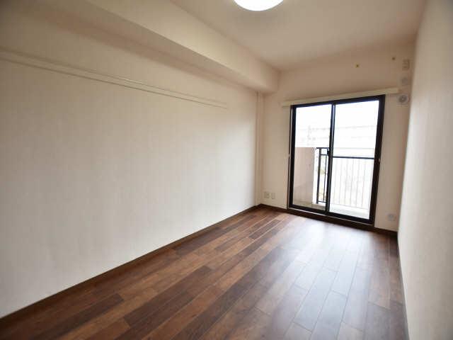 南山レジデンスB棟 3階 室内