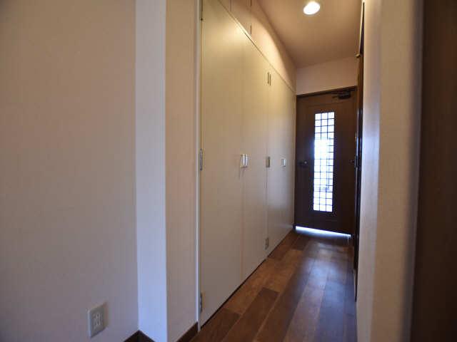 南山レジデンスB棟 2階 廊下