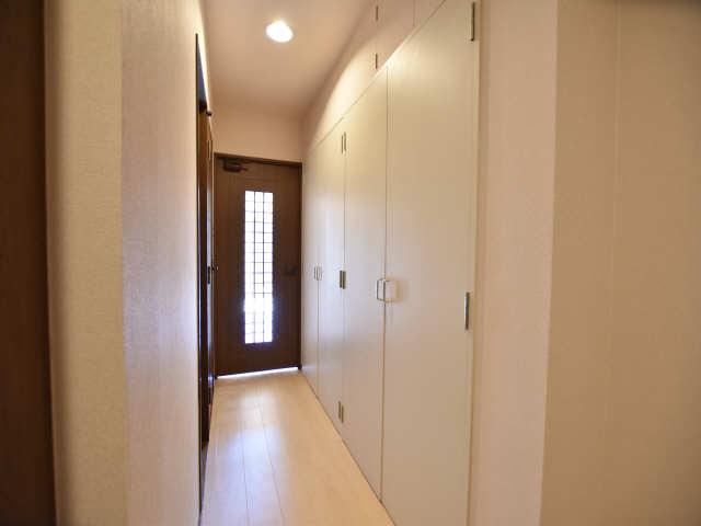 南山レジデンスA棟 2階 廊下
