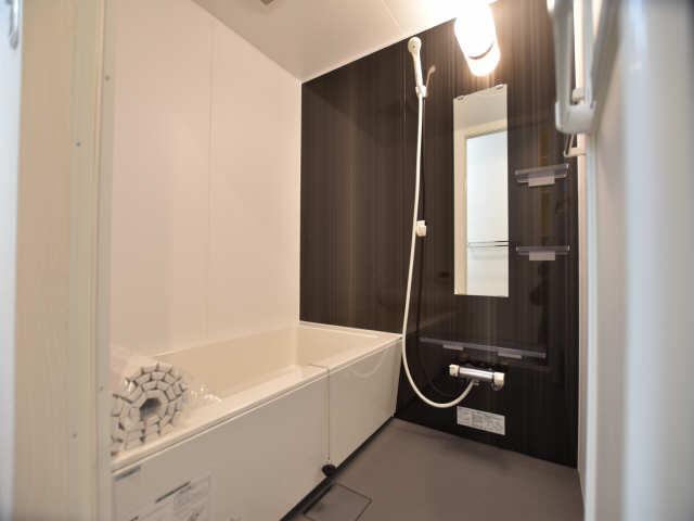 南山レジデンスA棟 2階 浴室