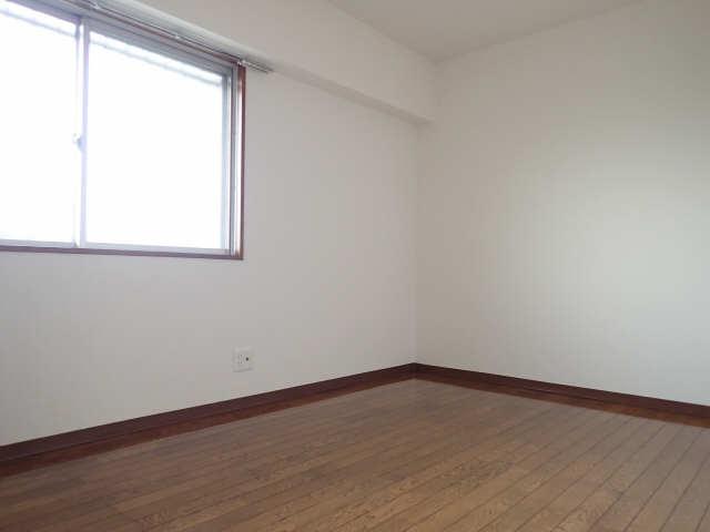 ピアハヤト 3階 室内