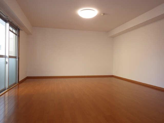 ピアハヤト 6階 リビング