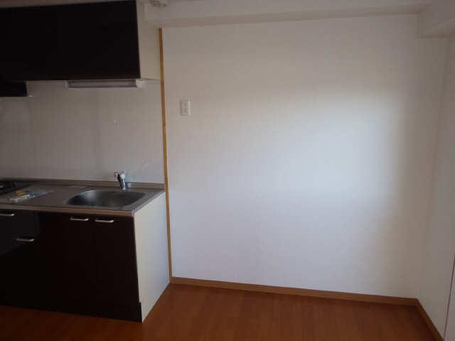 ピアハヤト 6階 冷蔵庫置場
