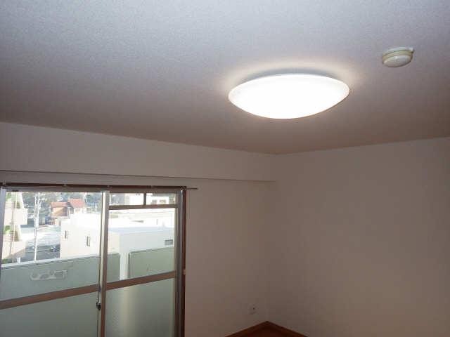 ピアハヤト 6階 照明器具