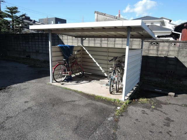サンシティ戸ヶ崎C 2階 駐輪場