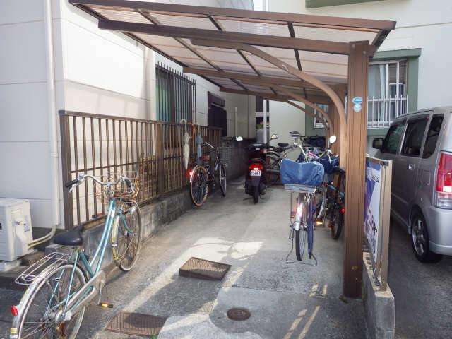 グリーンマンション 1階 駐輪場