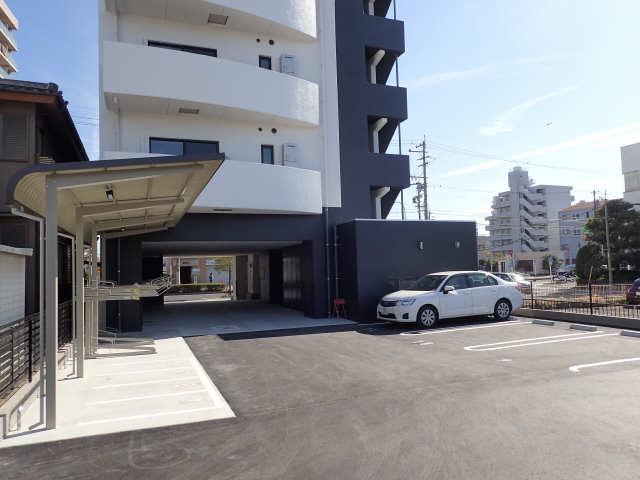 BMG RESIDENSE 駐車場