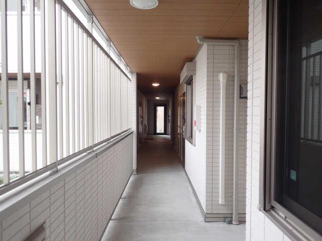 ガーデンテラス 1階共用部