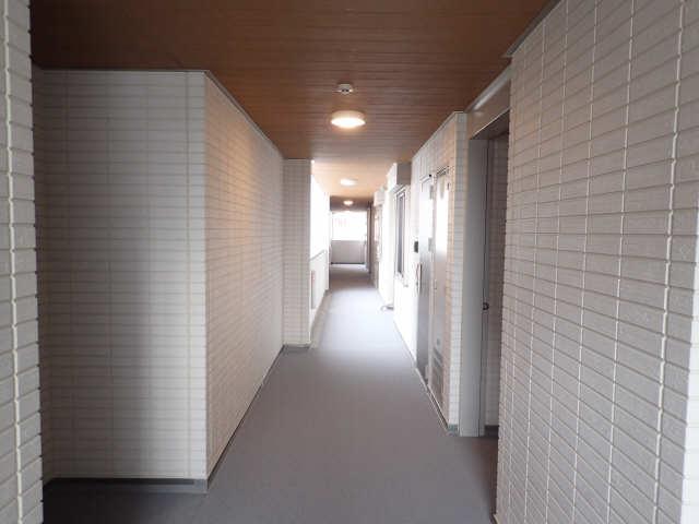 ガーデンテラス 2階共用部