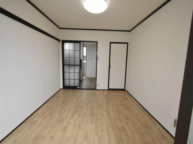 タウニー児玉 2階 洋室