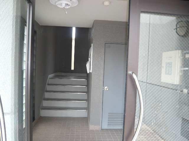 ジュニオ 1階 エントランス