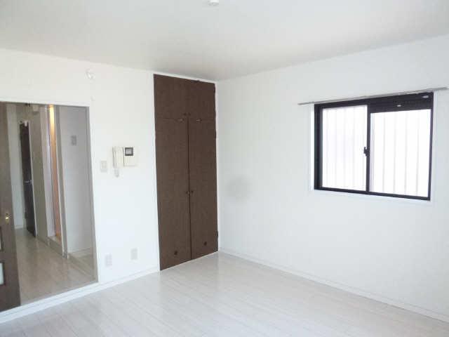 グローリアス城Ⅱ 2階 室内