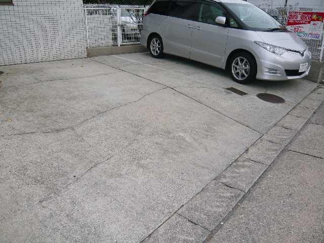 ラフィーネ新宿 3階 駐車場