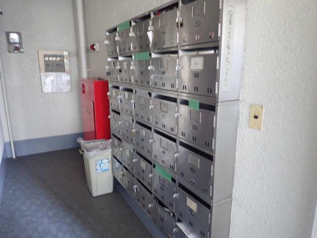 新宿ビル 3階 集合ポスト