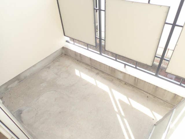 新宿ビル 3階 バルコニー
