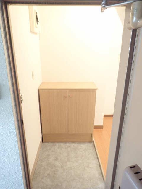 新宿ビル 3階 シューズBOX