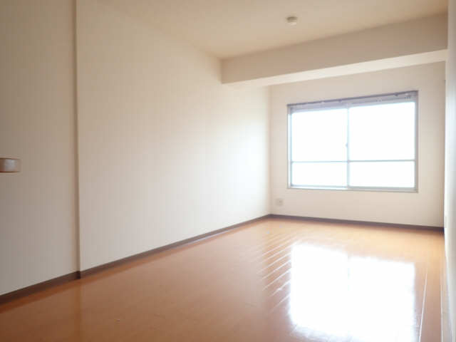 新宿ビル 3階 室内