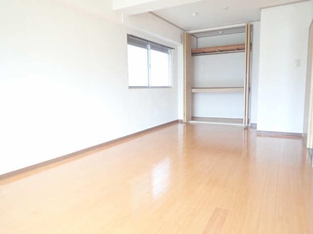 新宿ビル 3階 洋室