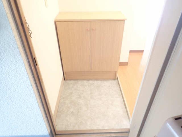 新宿ビル 3階 玄関
