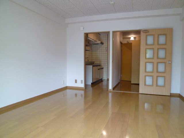 レストポイント園山 1階 室内