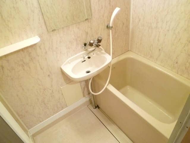 レストポイント園山 1階 浴室