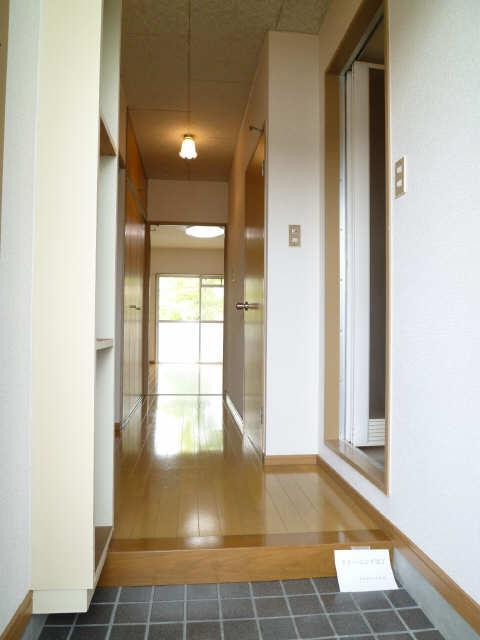 レストポイント園山 1階 玄関