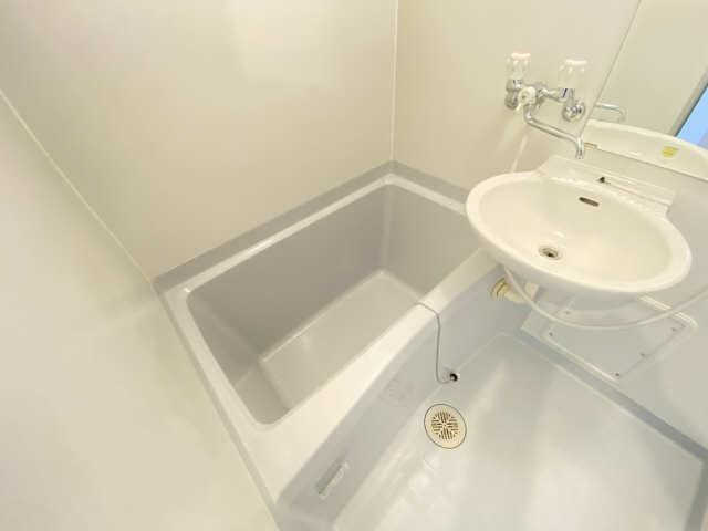 キャッスル一社 5階 浴室
