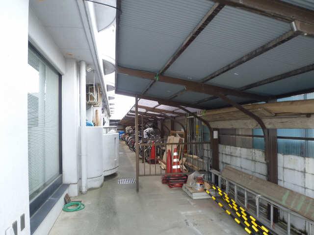 メゾン河合 3階 駐輪場