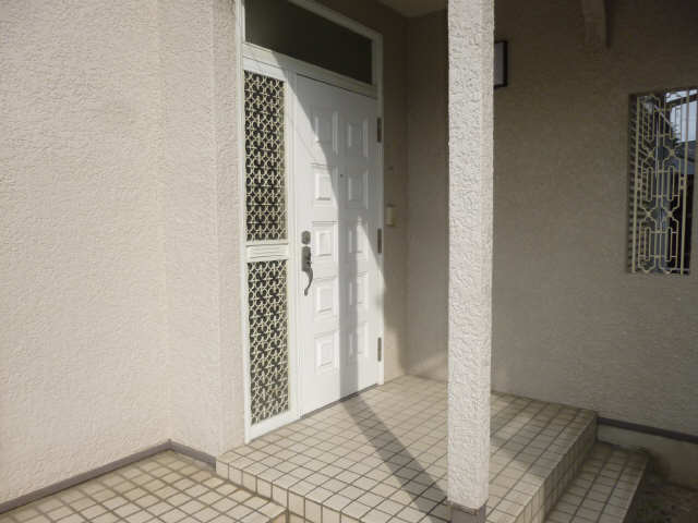 里村貸家  玄関