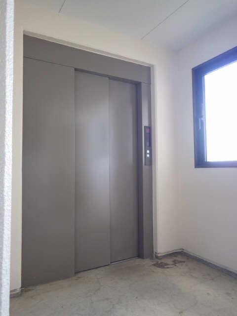 ベルハウス岐南 4階 エレベータ