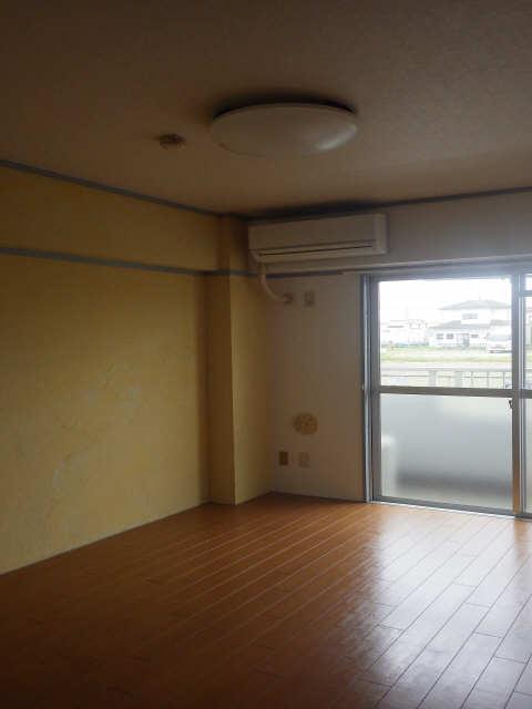 三宅ハイツ 1階 室内