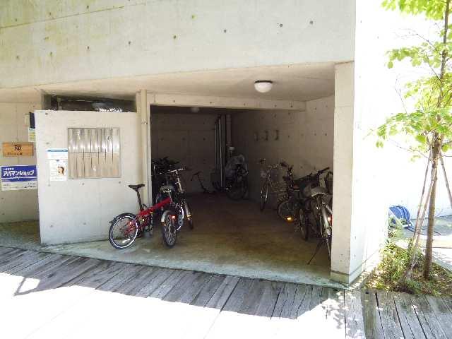 翔のいっしきⅠ 2階 駐輪場