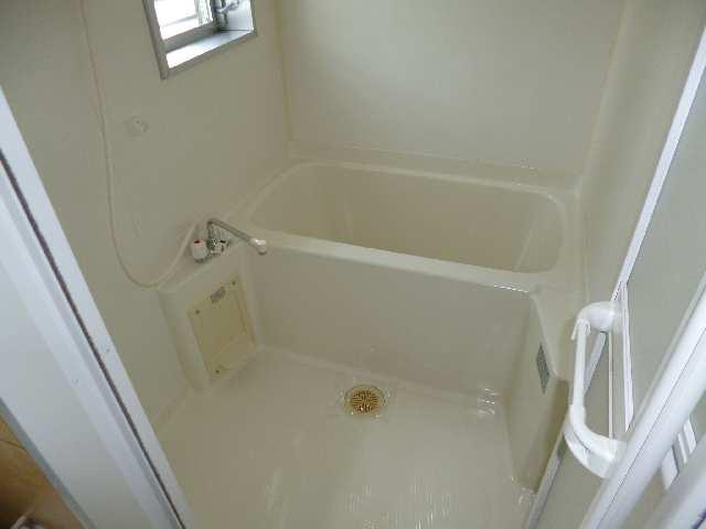 翔のいっしきⅠ 2階 浴室