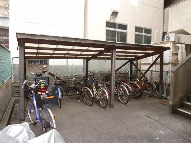 サン宮脇 2階 駐輪場